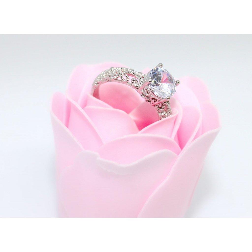 Stříbrný zásnubní prsten Amber