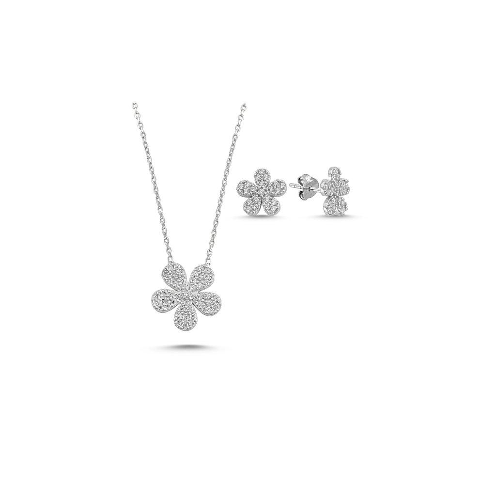 šperky s květinou