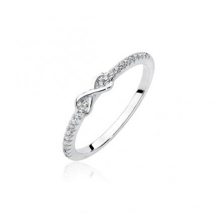stříbrný prsten se zirkony infinity