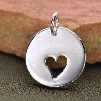 Stříbrný přívěsek s vyříznutým srdcem