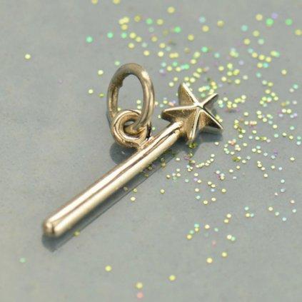 stříbrný přívěsek kouzelná hůlka