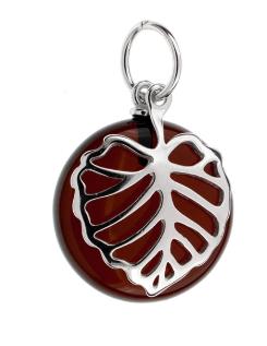 Stříbrný přívěsek list - třešňový jantar
