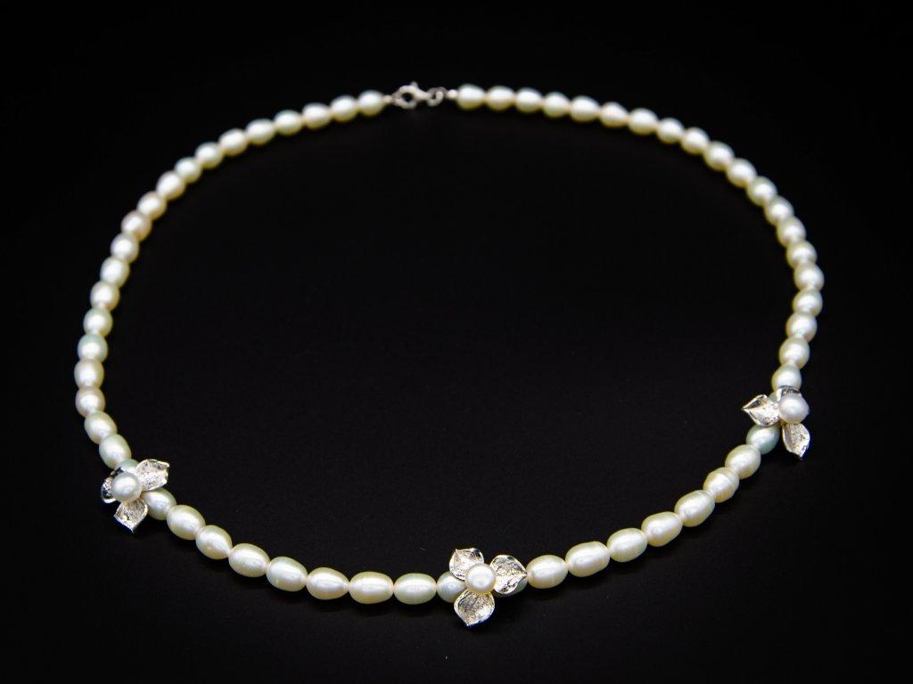 Náhrdelník s přírodními perlami