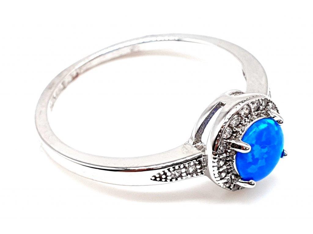 Prsten ze stříbra se zářivým opálem (Velikost prstene 55 mm)