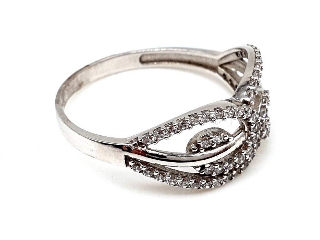 57366 1 zlaty prsten z bileho zlata zdobeny zirkony velikost 56mm
