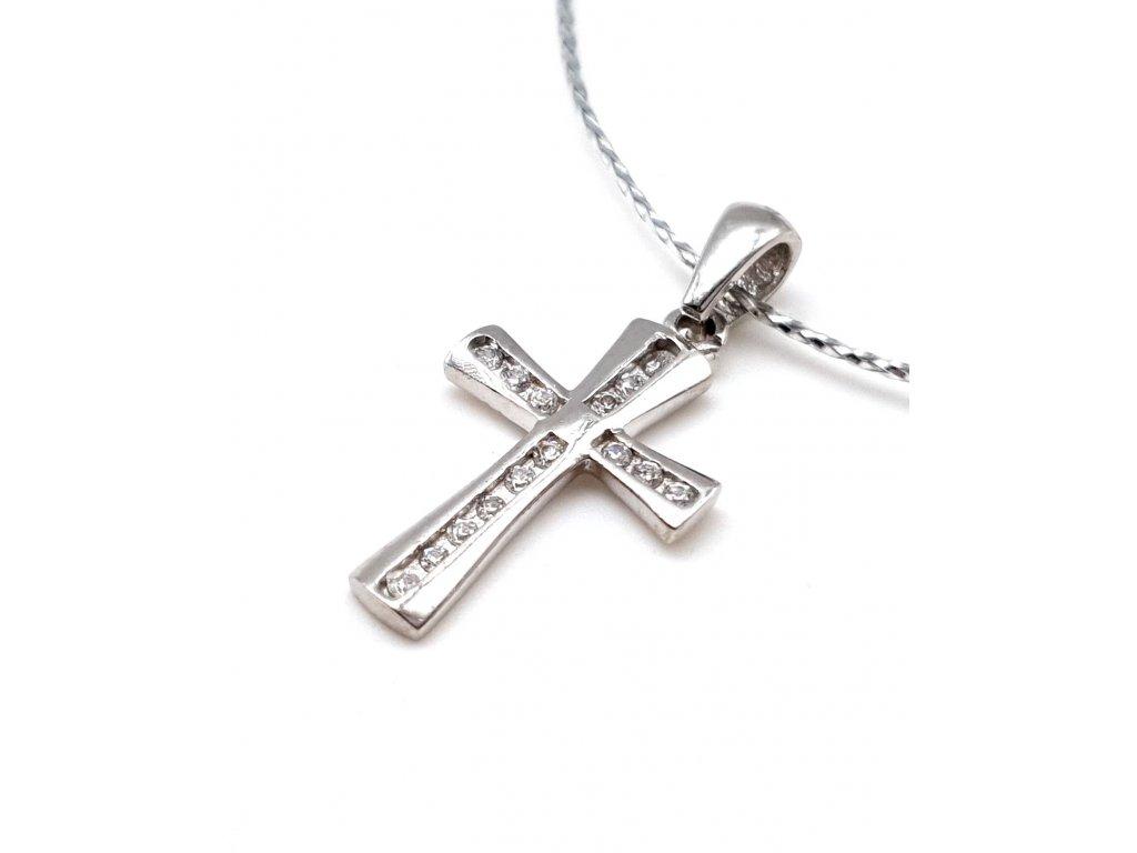 Stříbrný křížek zdobený zirkony