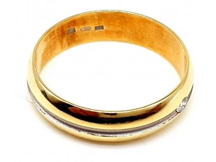 Symetrický zlatý prsten s malým zirkonem (Velikost prstene 52mm)