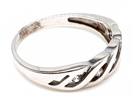57363 zlaty prsten vyrobeny z bileho zlata zdobeny radou zirkonu velikost 56mm