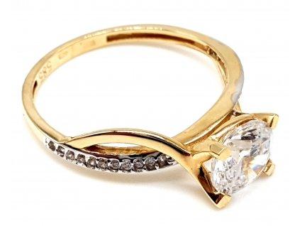 Zlatý zásnubní vlnivý prsten zdobený zirkony (Velikost prstene 51 mm)