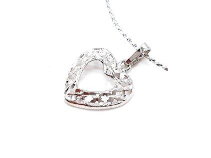 Přívěsek ve tvaru srdce z rhodiovaného stříbra
