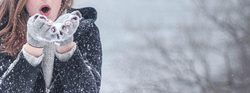 snow-cold-winter-girl-woman-ice-911038-pxhere.com