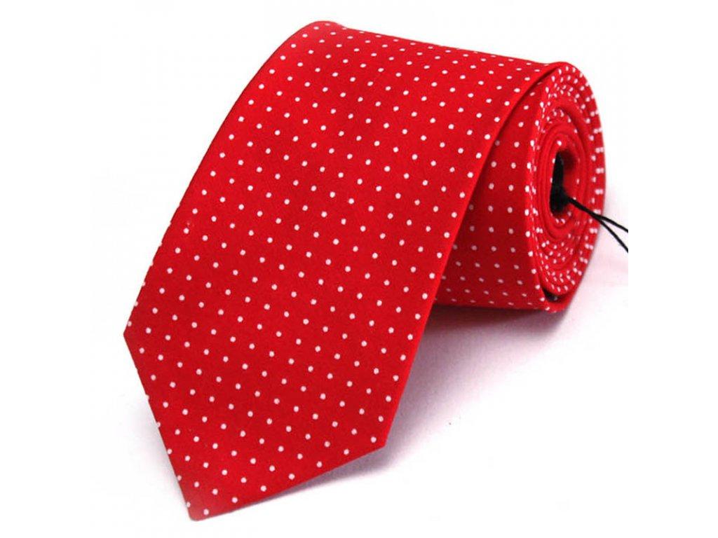 Červená kravata s bílými puntíky