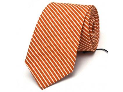 Oranžová kravata s bílými proužky
