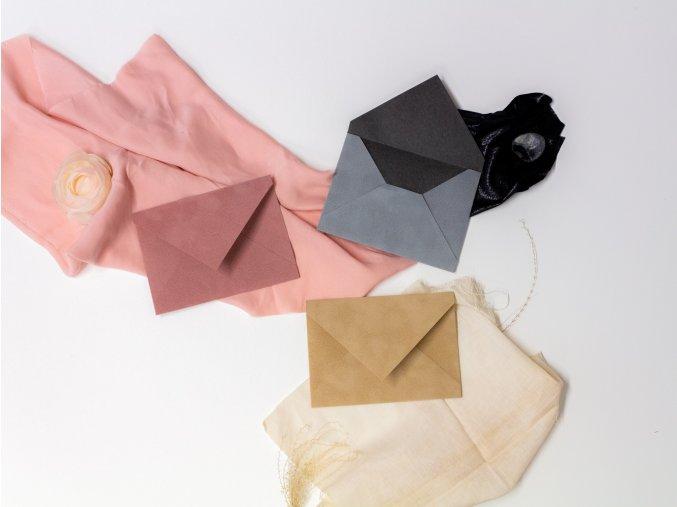 Obálky z flokážového potahu