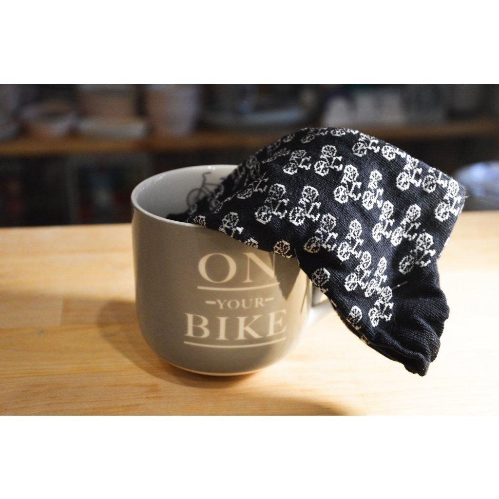 Keramický hrnek a pánské ponožky On Your Bike - Na tvém kole