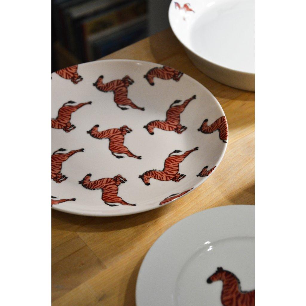 Porcelánový mělký talíř velký se Zebrami