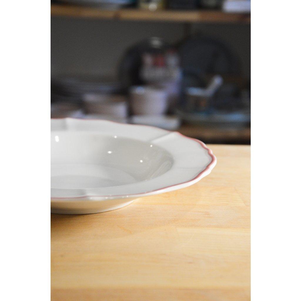 Porcelánový hluboký talíř bílý s růžovým okrajem