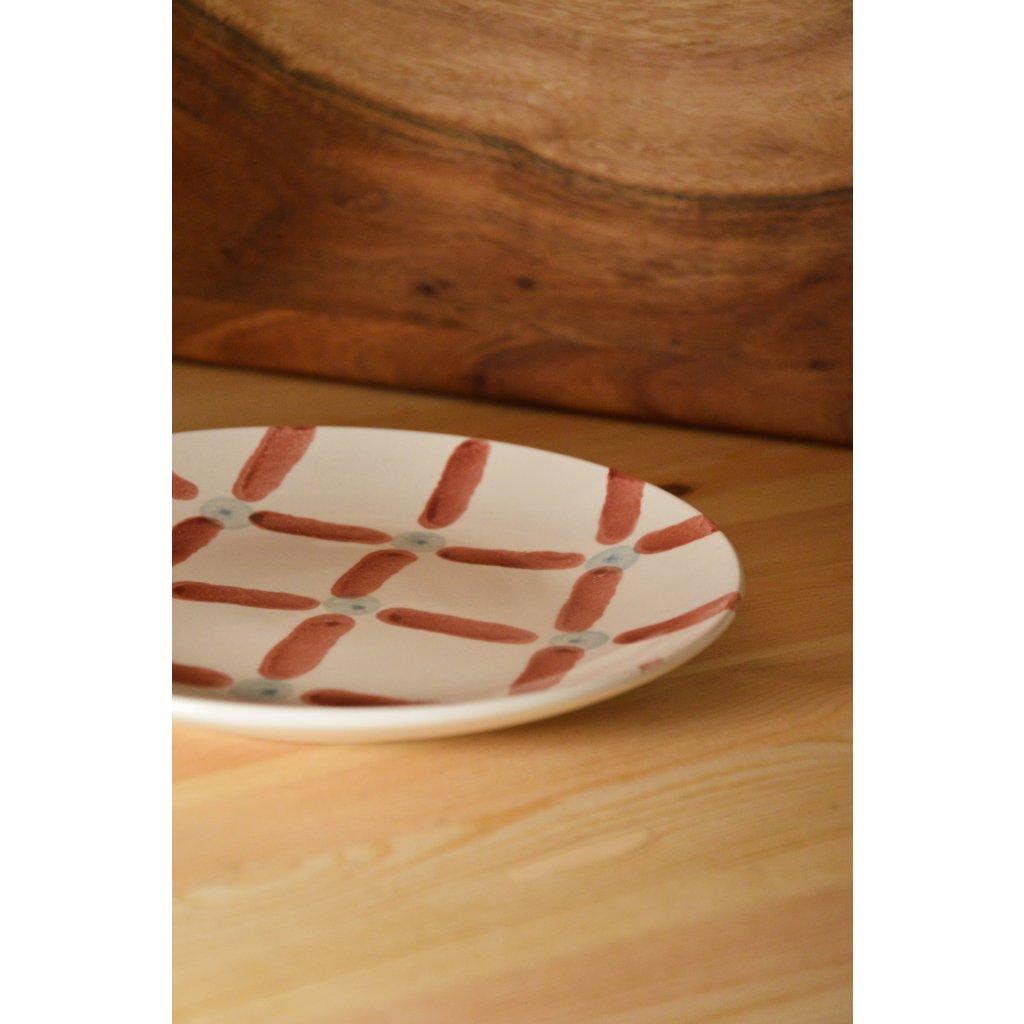 Keramický talířek s ručně malovanými motivy malý