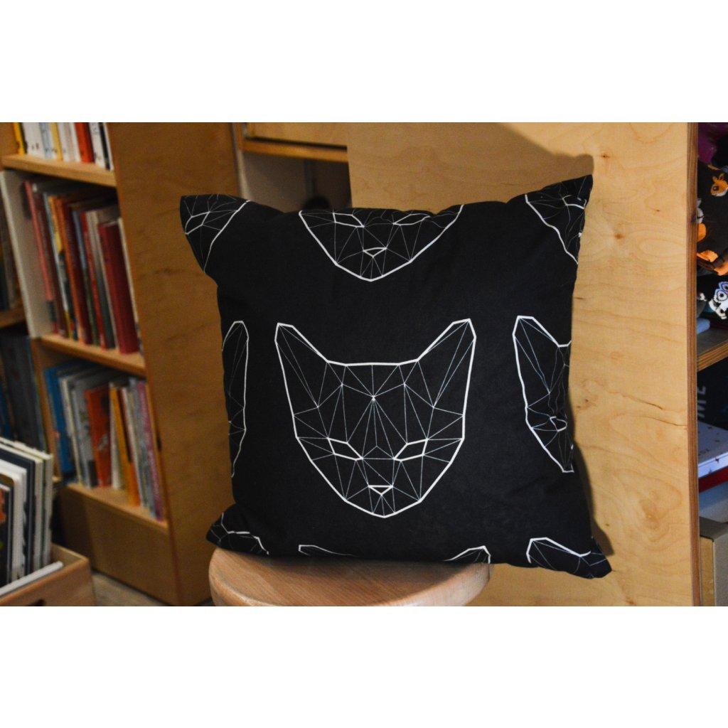 Polštář Kočičí hlava polygon