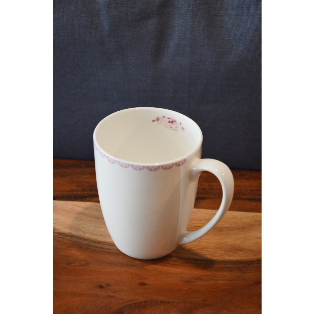 Porcelánový hrnek bílý s krajkou a růžičkou uvnitř
