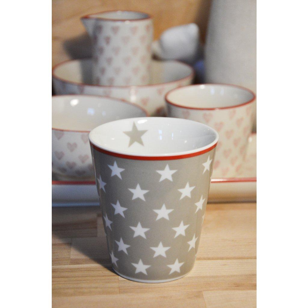 Porcelánový hrnek šedý s bílými hvězdami a červeným pruhem