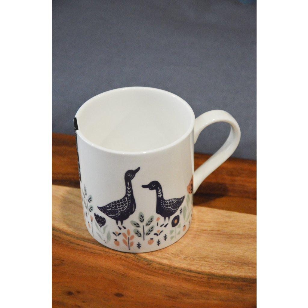 Porcelánový hrnek bílý s husičkami