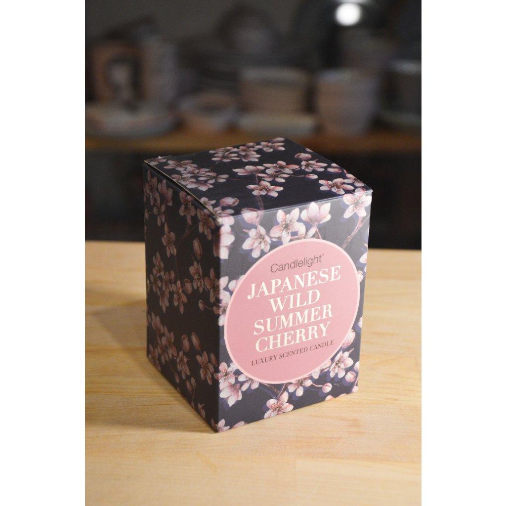 Svíčka ve skle, v papírové krabičce Japanese Wild Summer Cherry - Japonská divoká letní třešeň