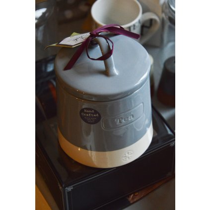 Dóza keramická šedobílá na čaj