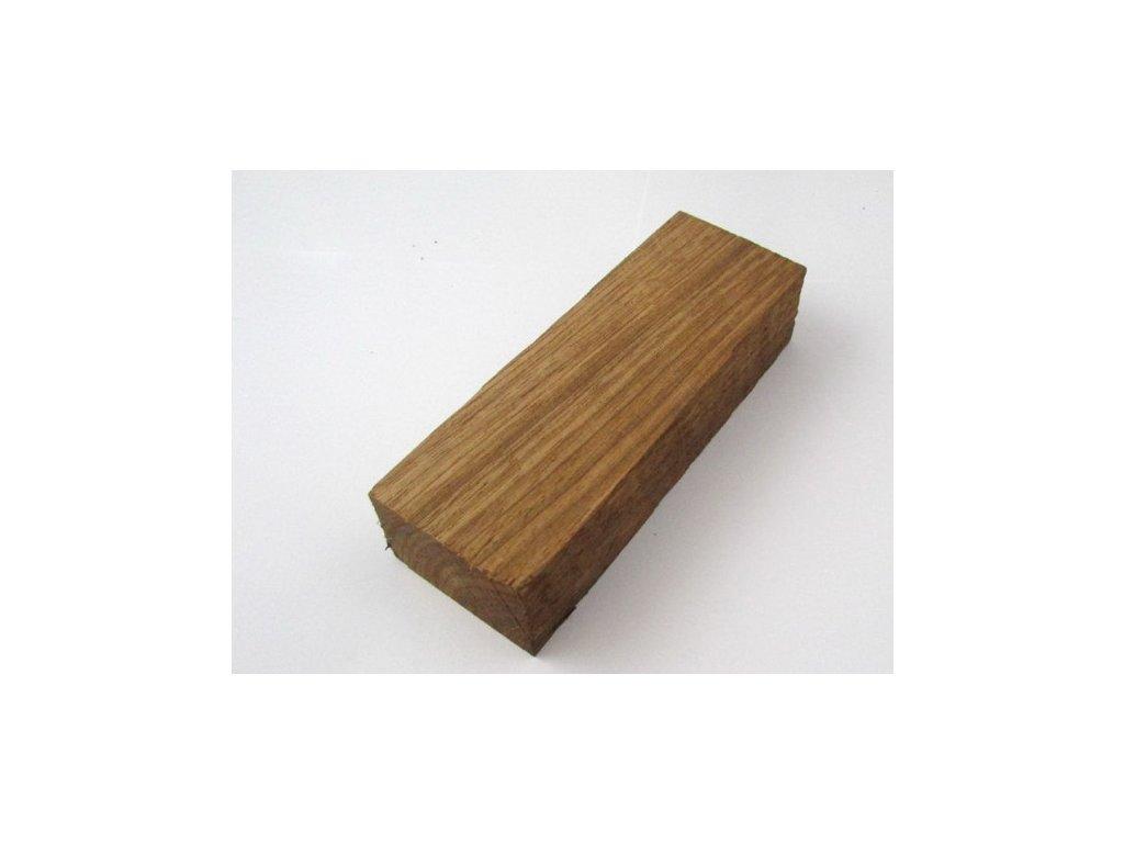 Dřevo Mahagon