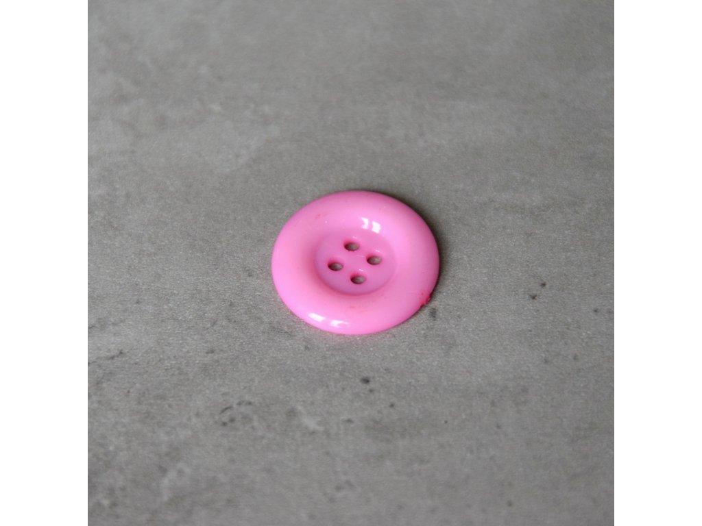Knoflík - čtyřdírkový - světle růžový