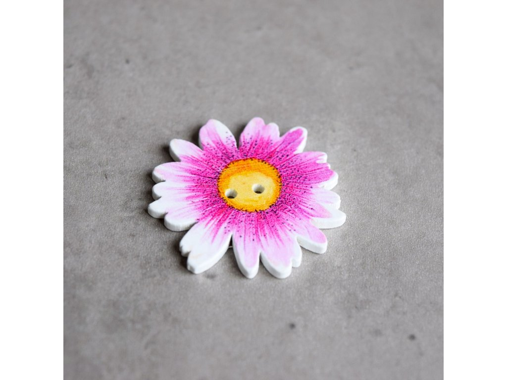 Dřevěný dekorační knoflík - květ - růžovobílý
