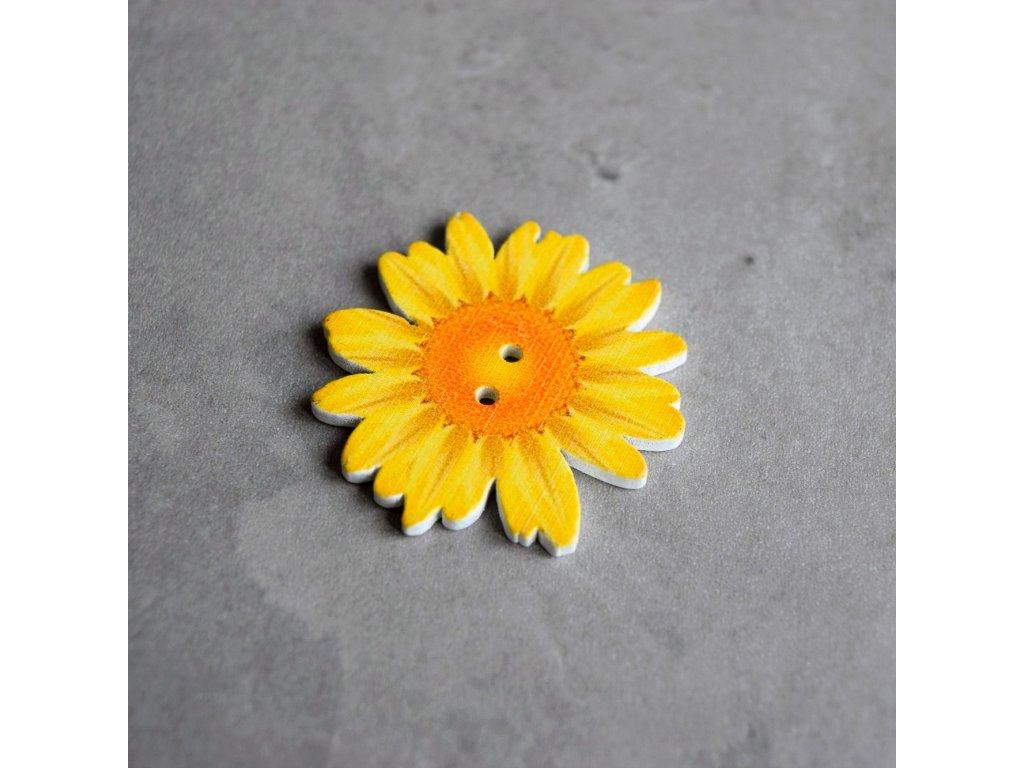 Dřevěný dekorační knoflík - květ - žlutý