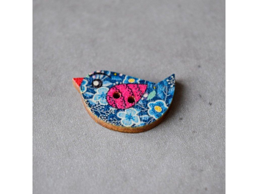 Dřevěný dekorační knoflík - ptáček - modrorůžový