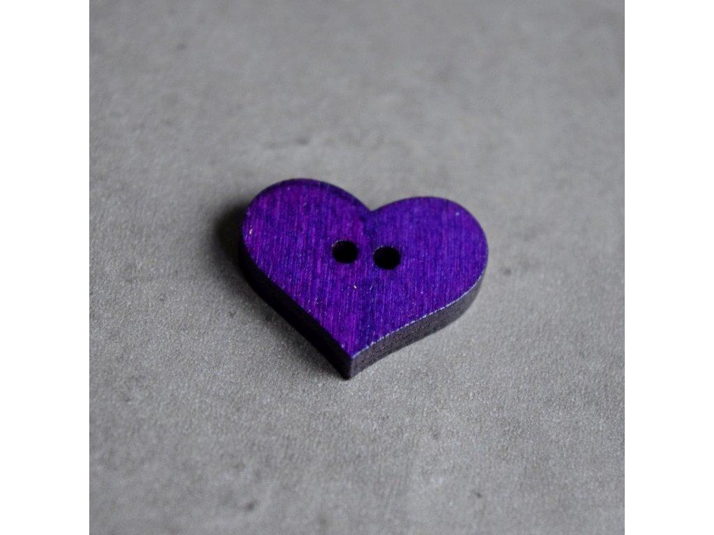 Dřevěný dekorační knoflík - srdce - fialové