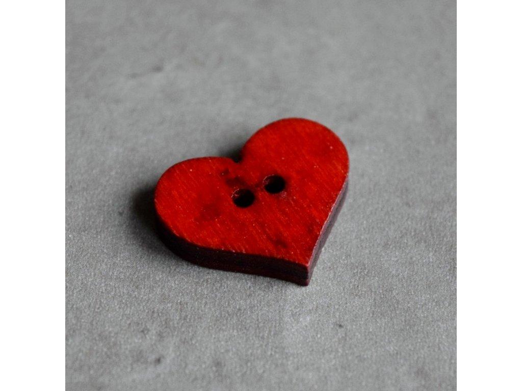 Dřevěný dekorační knoflík - srdce - červené