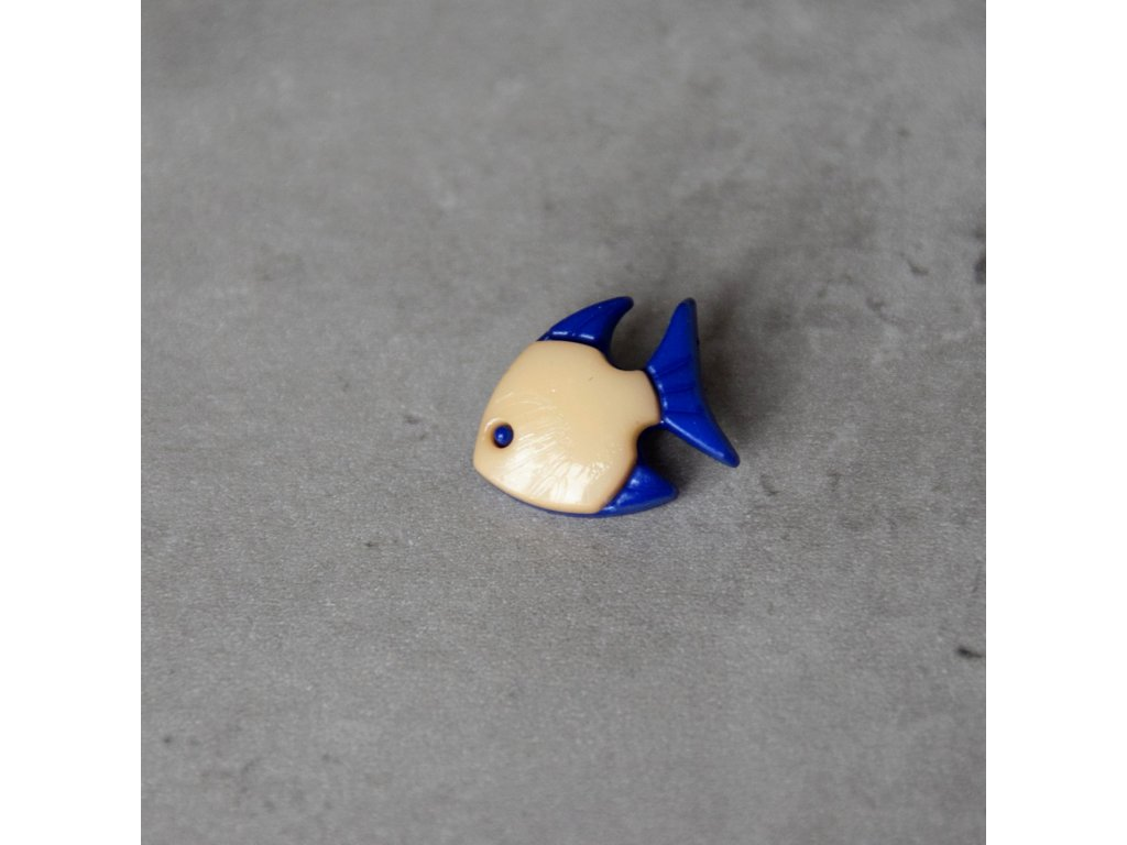 Knoflík - rybka - béžová