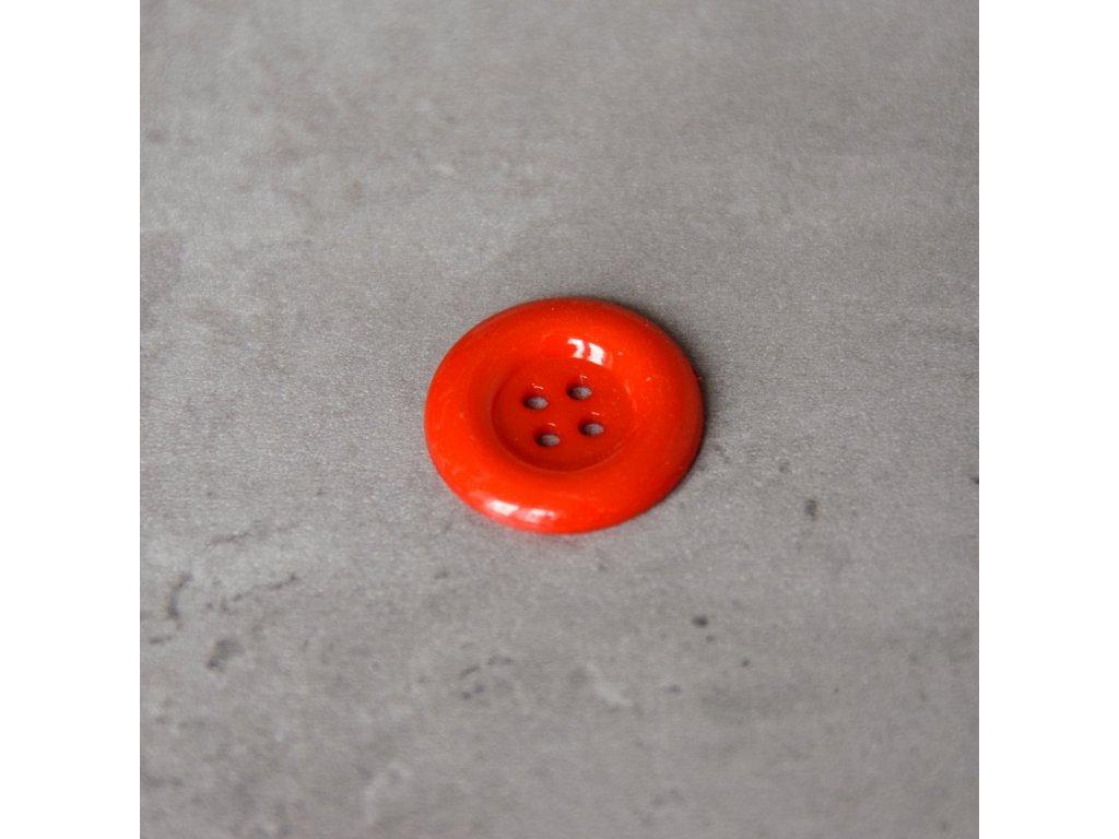 Knoflík - čtyřdírkový - červený