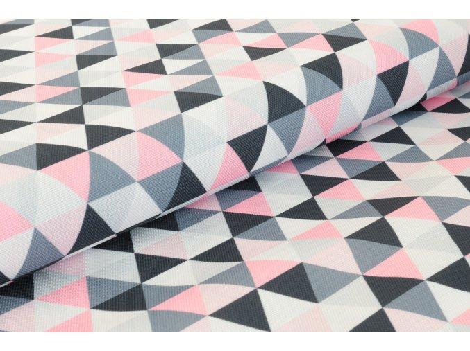 Trojúhelníky růžové