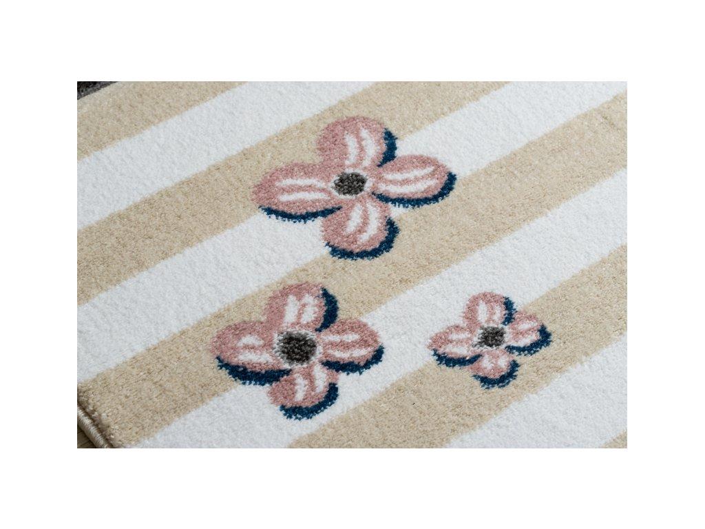 Dětský kusový koberec PETIT ptáčci krémový
