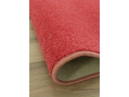 Kusový koberec Carousel 25 červený