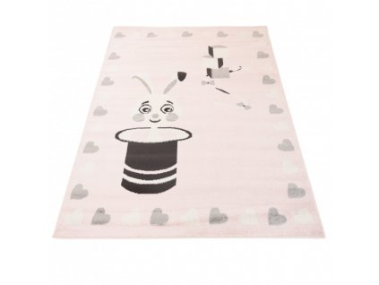 Dětský kusový koberec HAPPY E662A Zajíc v klobouku srdíčka růžový