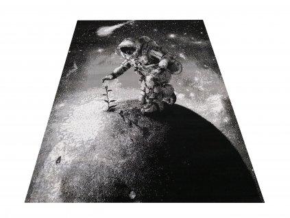 Kusový koberec Soho 23 Kosmonaut šedý
