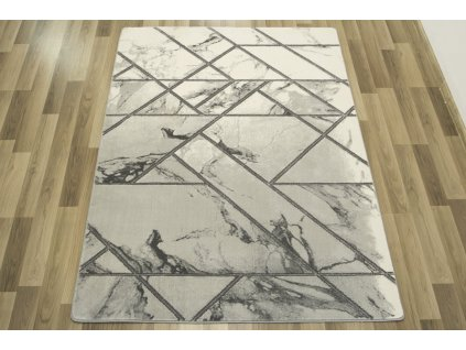 Moderní kusový koberec Diamond K4441S Geometrický Mramor stříbrný