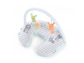 Ingenuity Vankúš na dojčenie s hrazdičkou Hop Art™ 0m+