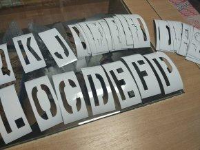 Magnetické šablony abeceda