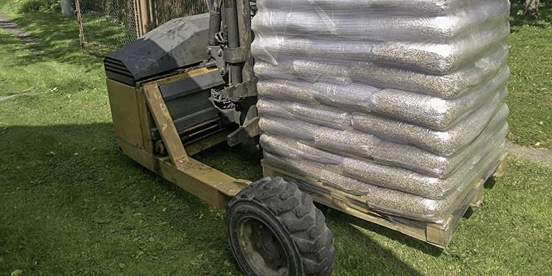 Dřevěné-pelety-rozvážíme-vlastní-dopravou