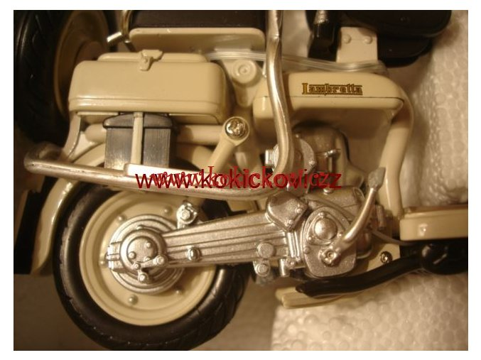 Lambretta 125D 1:12 New Ray ITALSKÝ SKÚTR MODEL