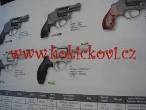 Smith & Wesson 2013 KATALOG ZBRANÍ 72 STRAN A4