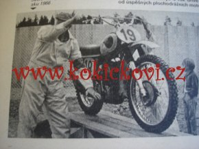 AUTO REVUE KATALOG AUTOMOBILŮ A ČS. SPORT. MOTOCYKLŮ 1973