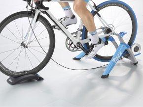 Cyklotrenažér T2400 Satori Smart